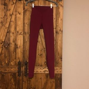 Burgundy Lululemon Wunder Under Leggings